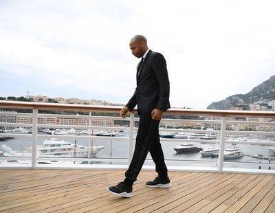 Thierry Henry combina americana y chándal y el resultado nos deja perplejos