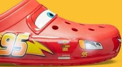 Las crocs de Rayo McQueen para adultos son una realidad (por poco tiempo)