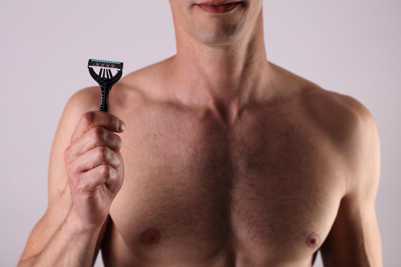 La cuchilla sigue siendo la técnica preferida por los hombres, pero presenta varios inconvenientes.