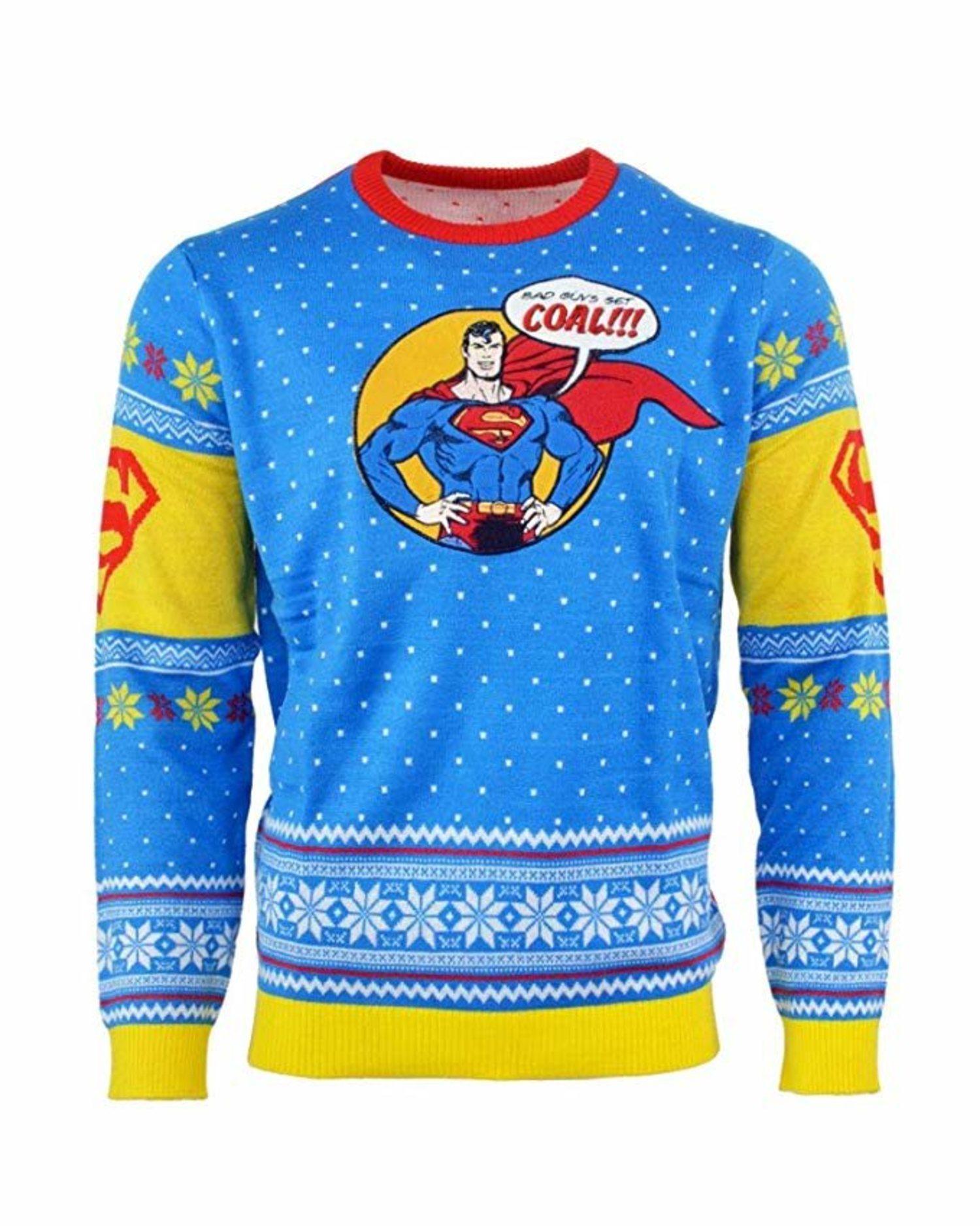 El superhéroe que se esconde tras la falsa identidad de Clark Kent avisa: sé bueno o recibirás carbón.
