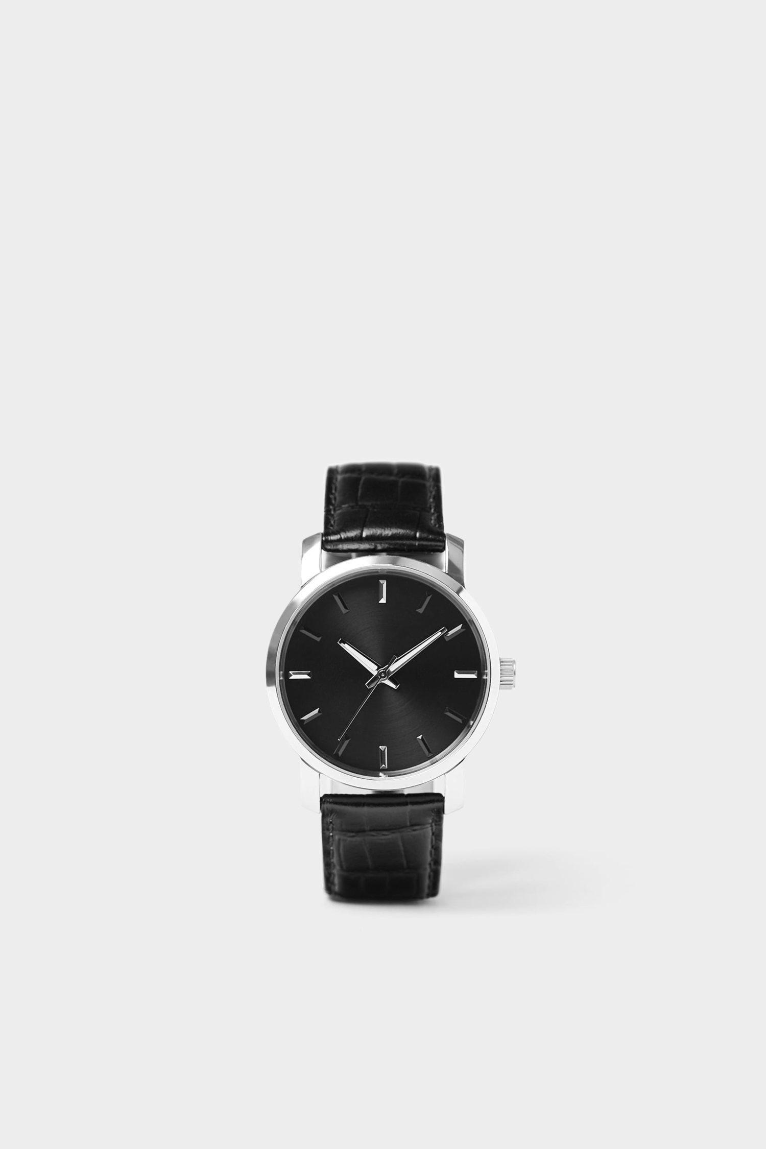 El reloj con caja redonda es el más sencillo y, por lo tanto, el que más originalidad tiene.
