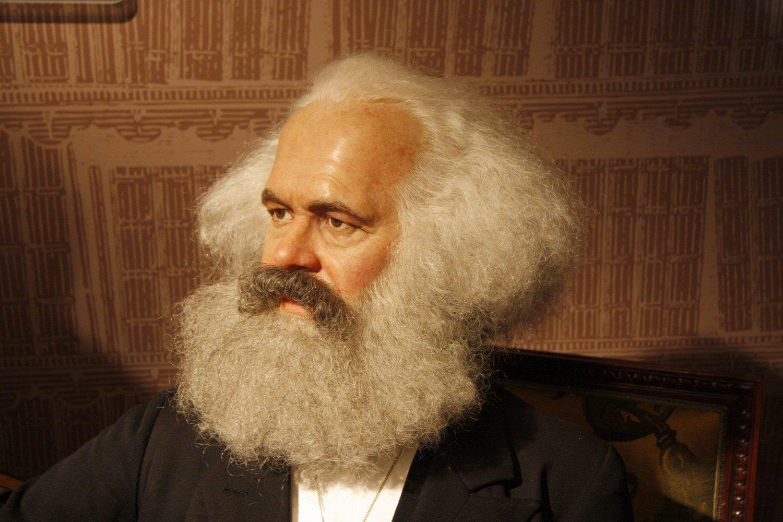 Karl Marx es el mejor ejemplo a no seguir si quieres lucir barba y pelo largo