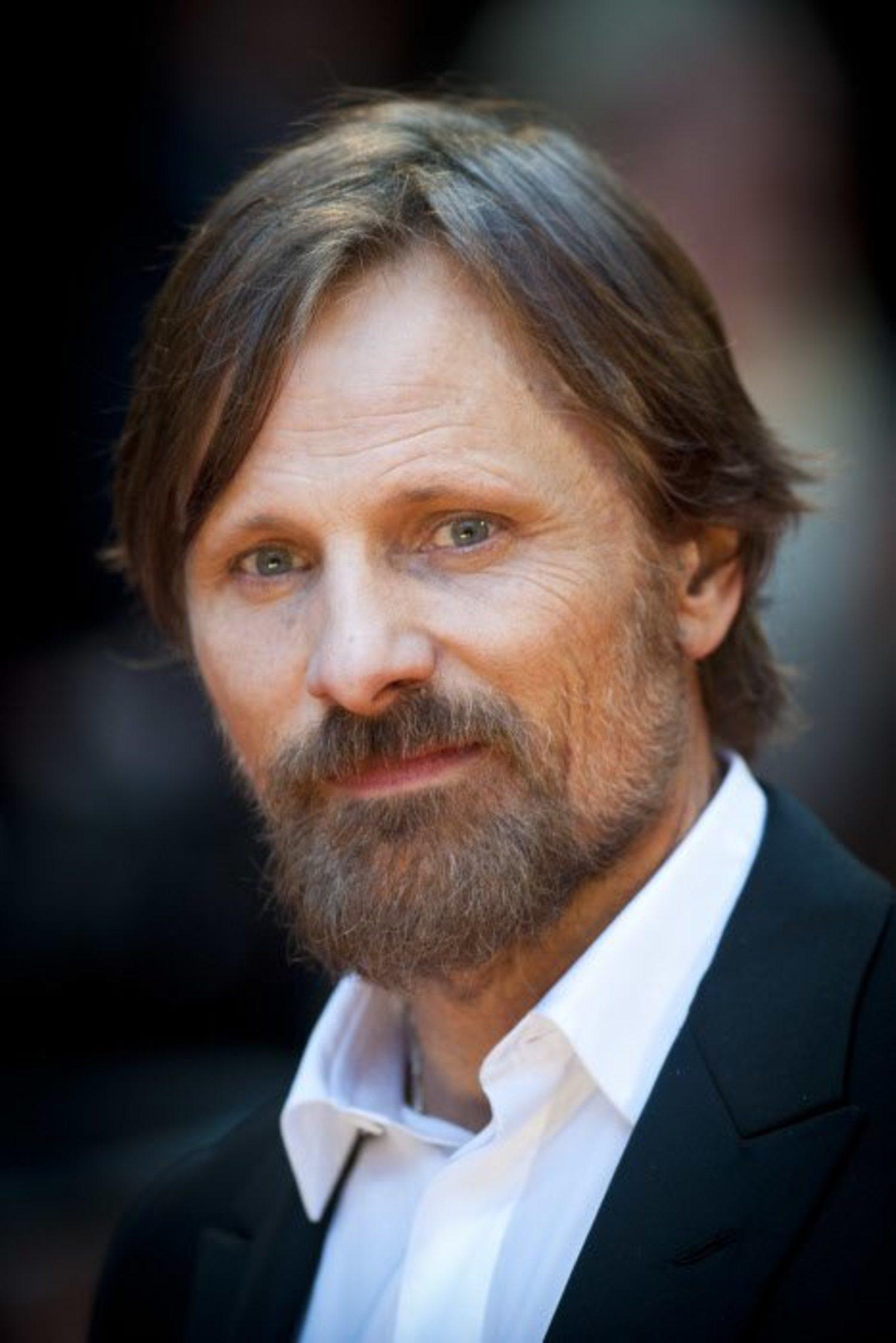 Viggo Mortensen, en la alfombra roja con una perfecta barba hollywoodense