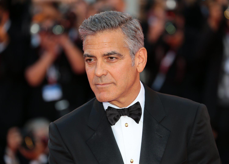Si bien es probable que no nos queden como a George Clooney, las canas pueden aportarnos un toque diferente.