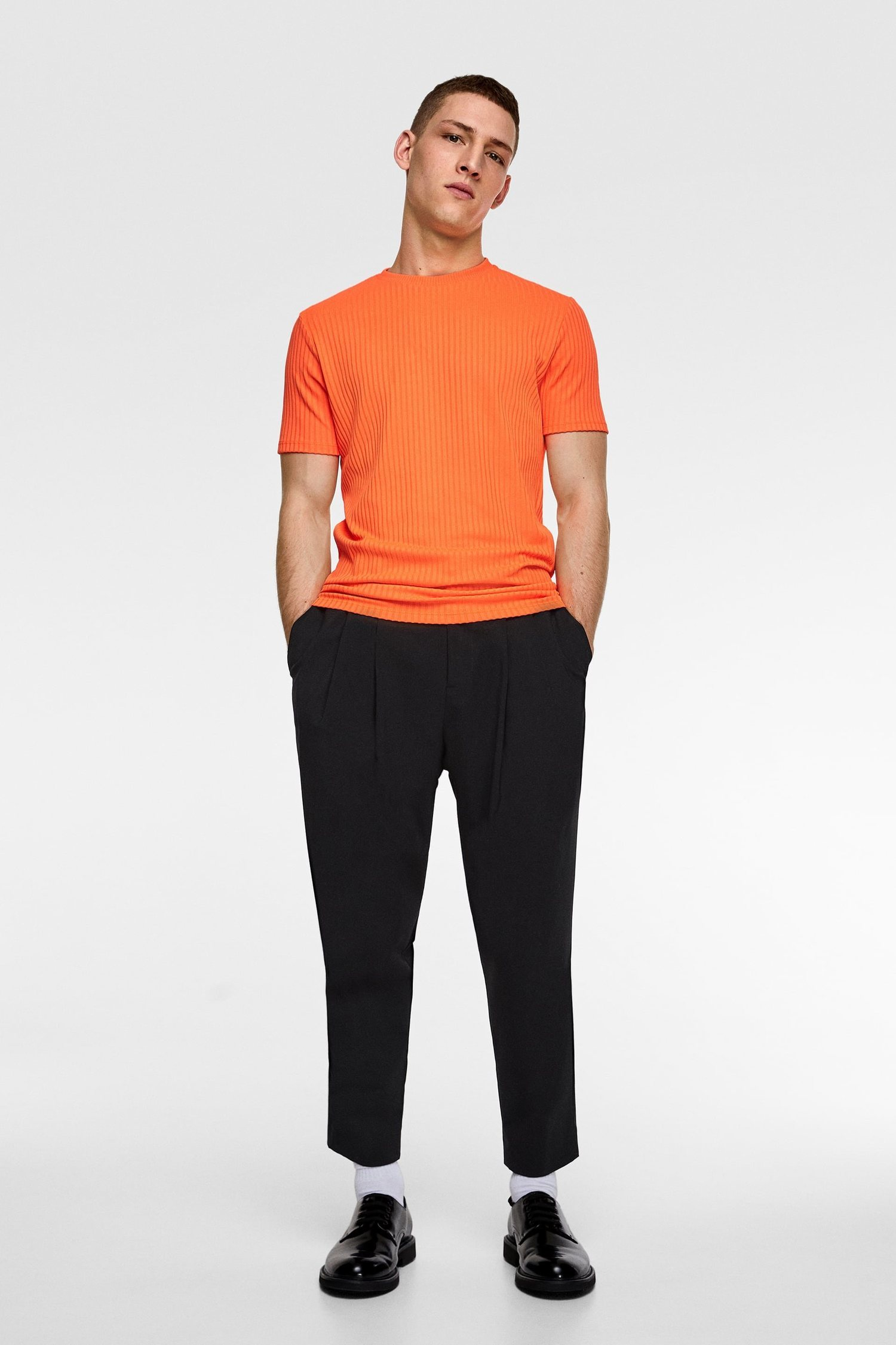 El naranja por fin podría tener su hueco en la moda esta primavera.