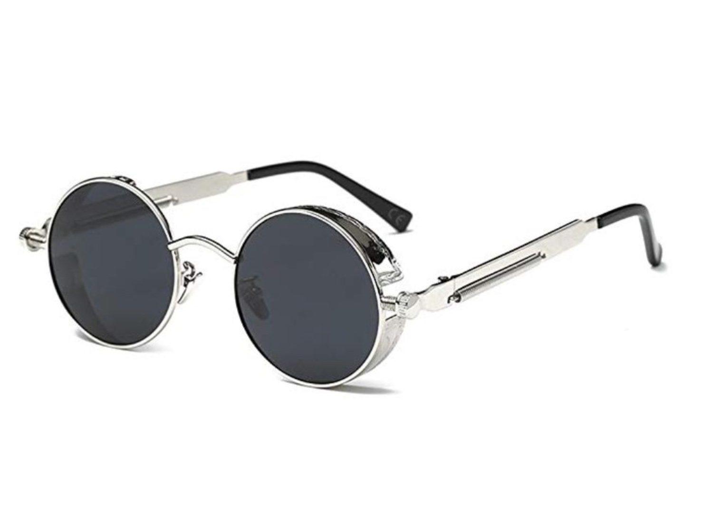 Gafas de sol redondas con montura y varilla gruesas.