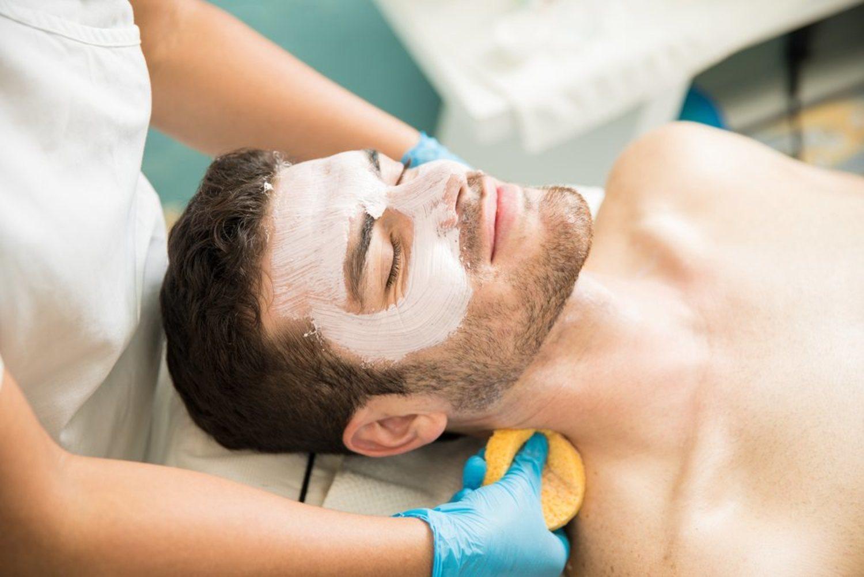 Relájate durante cuarto de hora, y si puede ser acompañado de un masaje, mejor.