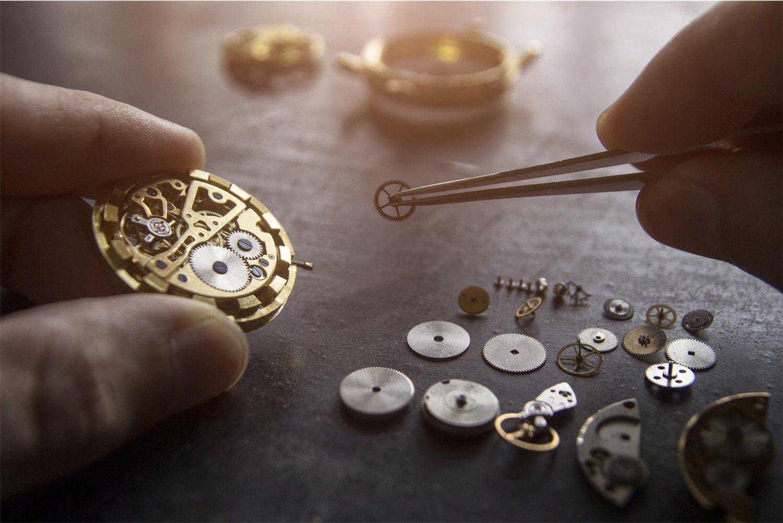 Los relojes tradicionales tienen un mecanismo muy complejo