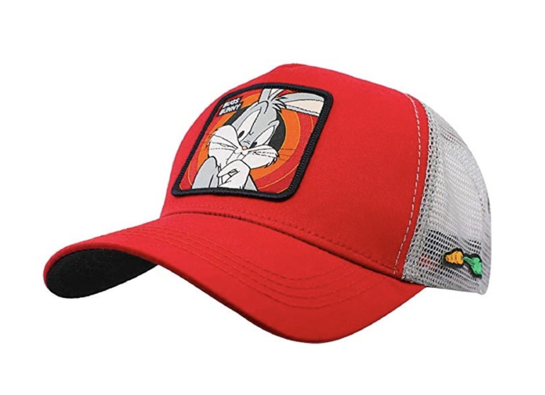 Gorra trucker roja de Bugs Bunny.