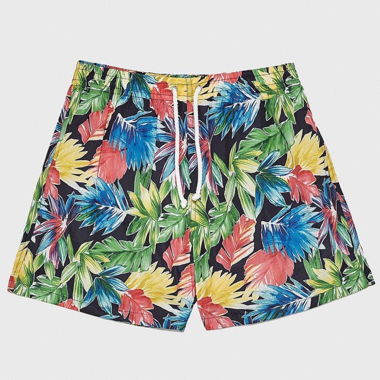 Bañador con estampado floral a varios colores de Zara