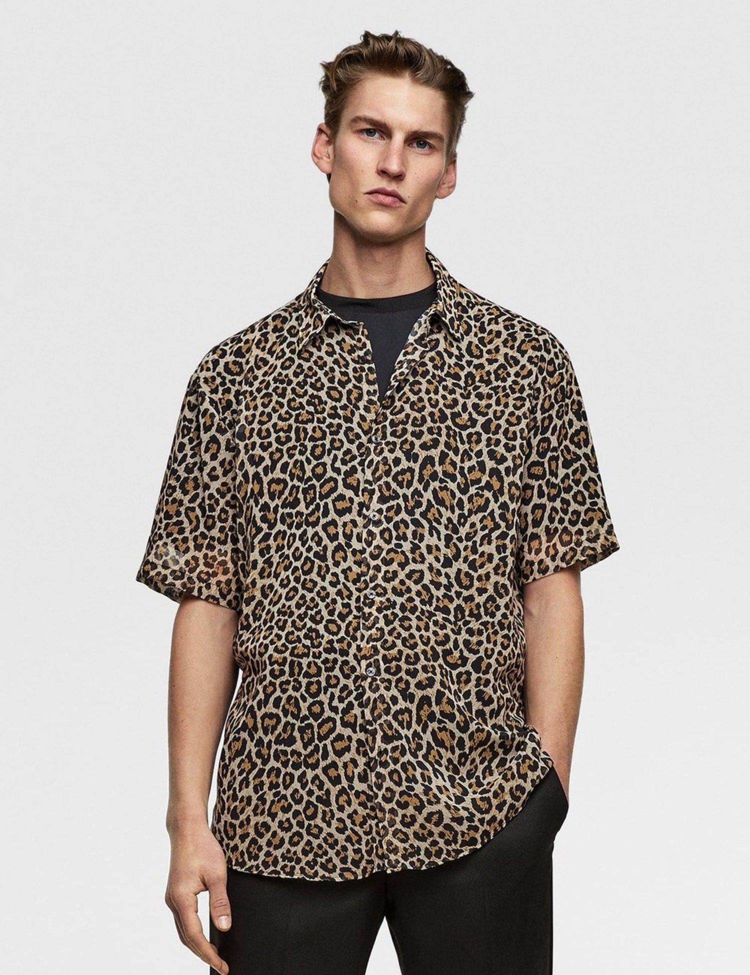 Camisa con estimación de leopardo
