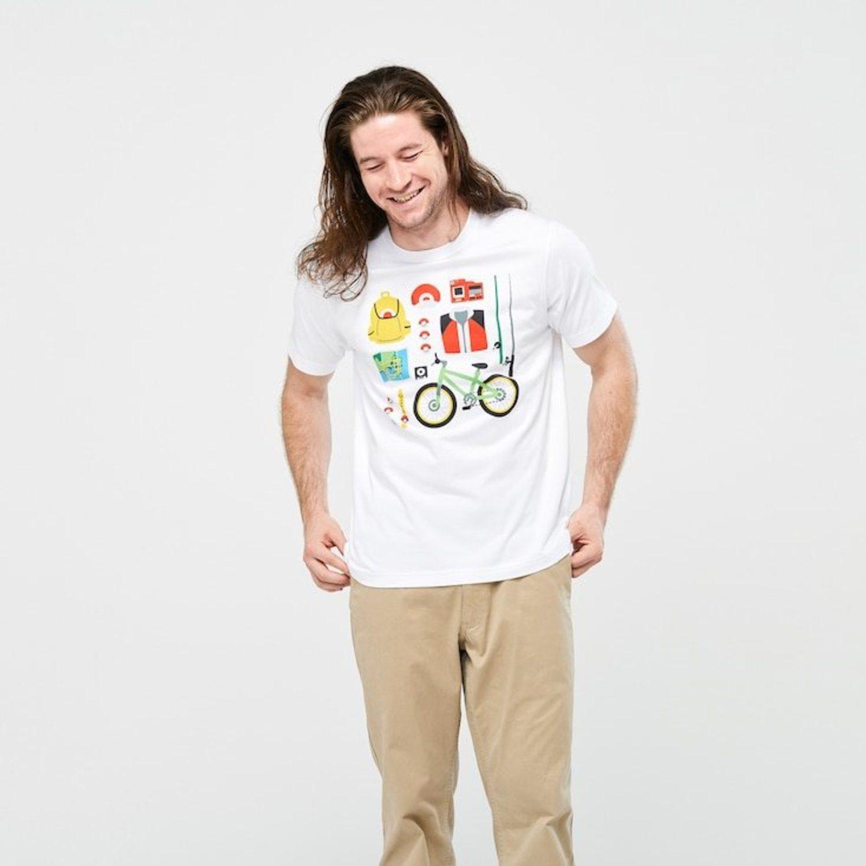 Camiseta con el 'starter pack' de todo entrenador Pokémon.