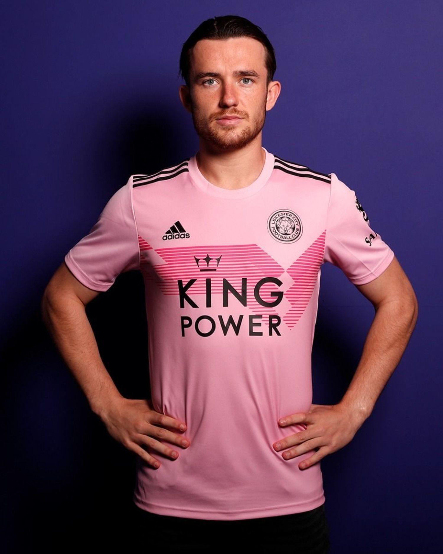 Segunda equipación 2019-20 Leicester City en rosa, Adidas