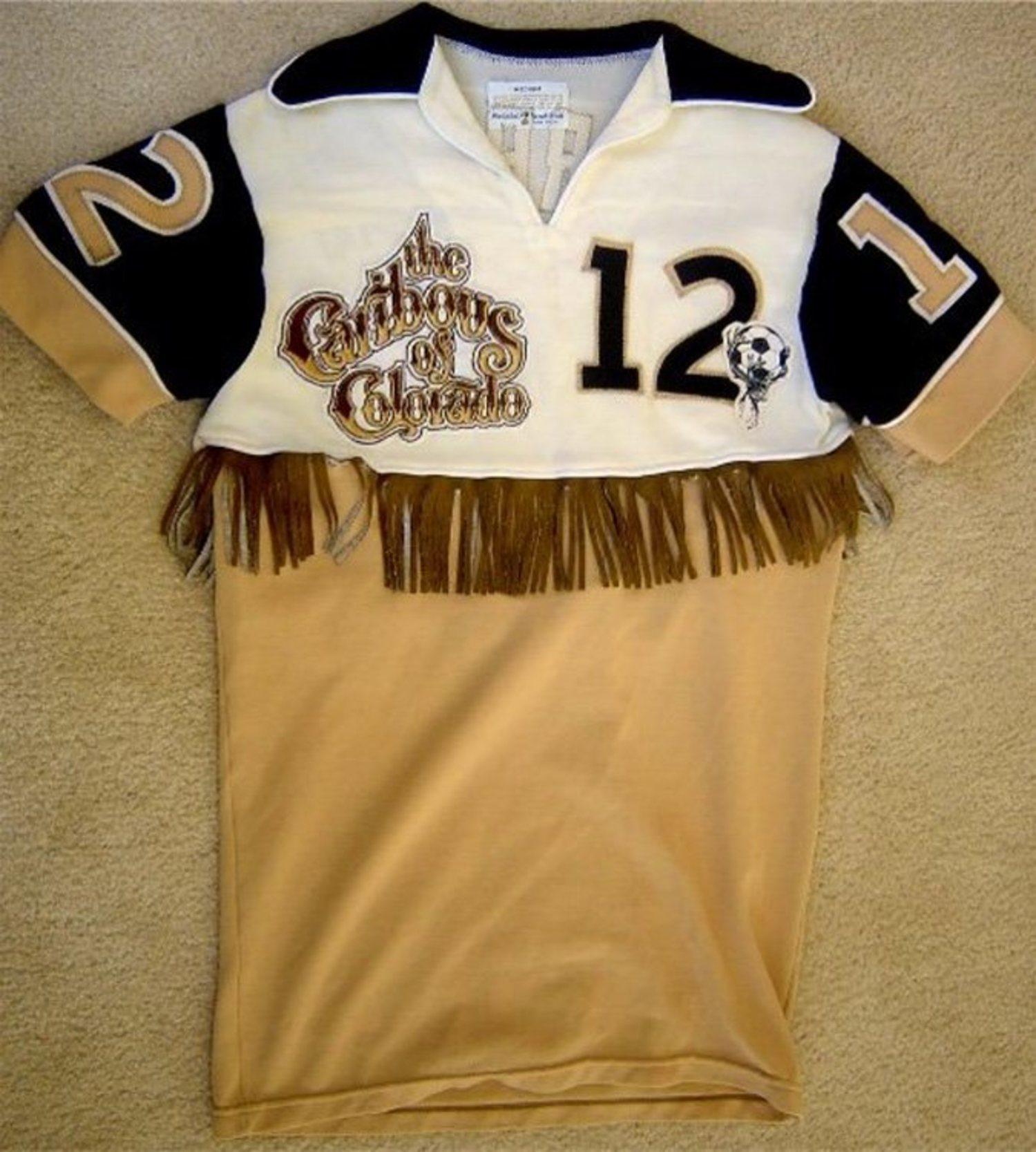 La camiseta más fea del mundo, de los Colorado Caribous