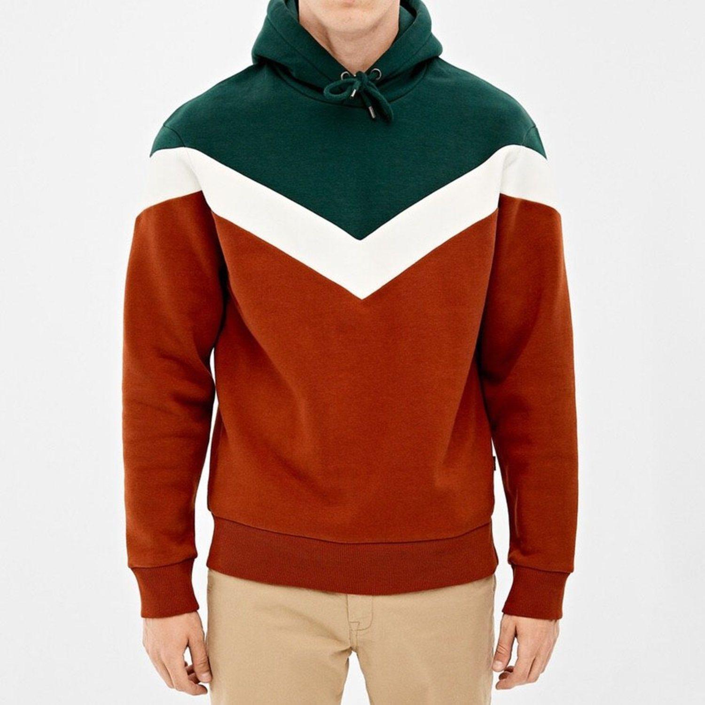 Sudadera con capucha y en tonos verde blanco y rojo