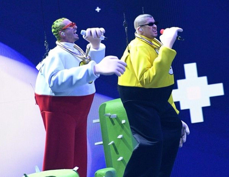 J Balvin y Bad Bunny, revolucionando la música y no solo eso.