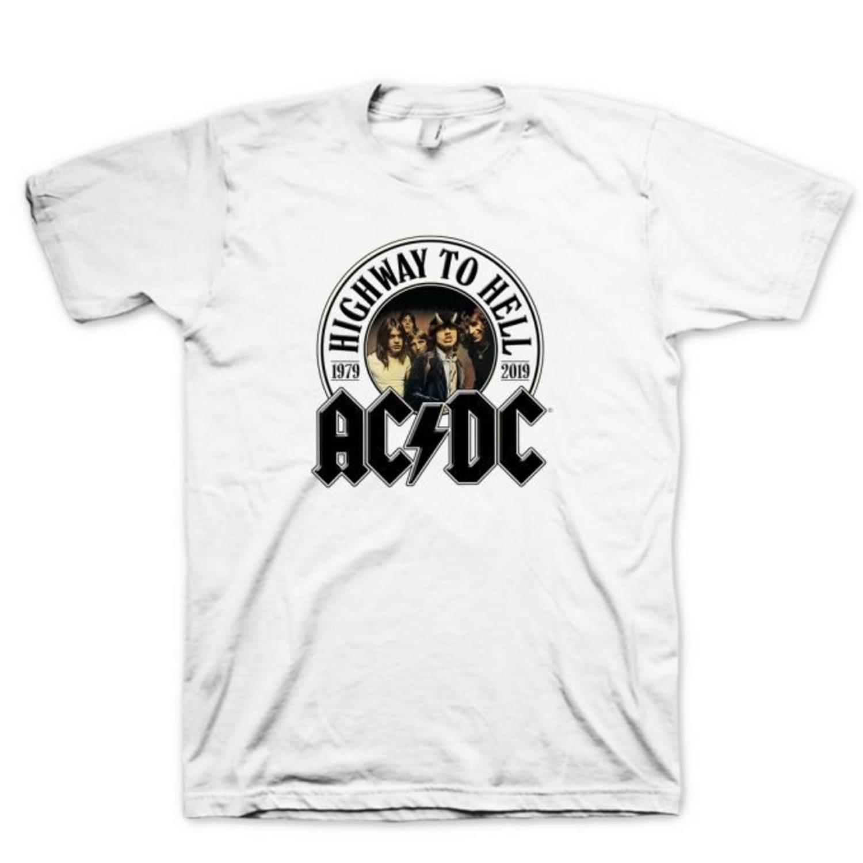 Camiseta del grupo AC/DC.