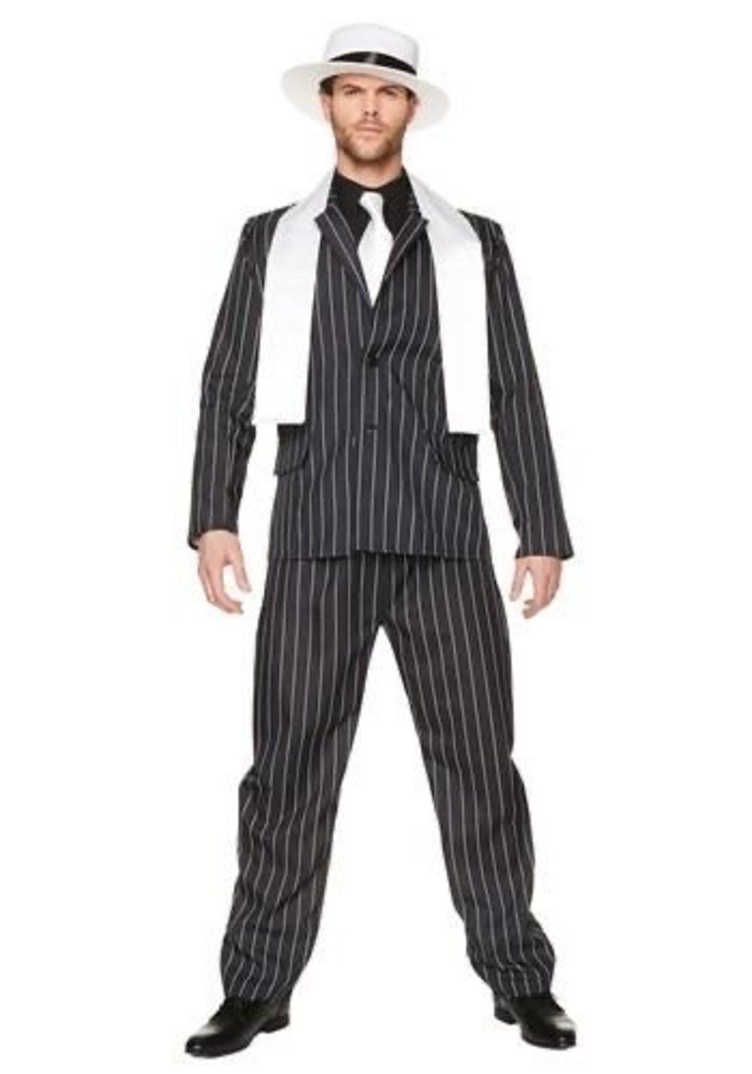Los trajes de rayas y corbatas blancas eran la imitación perfecta de un gangster.