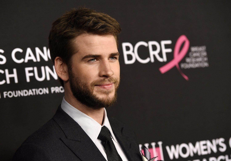 Los famosos se dejan barba creando una moda que muchos no pueden seguir.