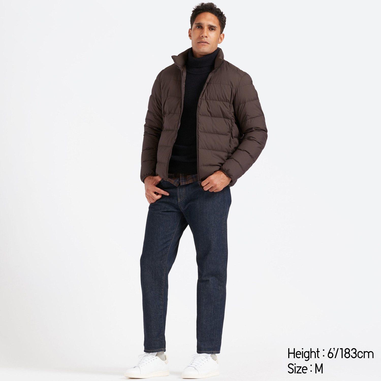 El abrigo ultra ligero de Uniqlo es perfecto para los que suelen usar el transporte público.