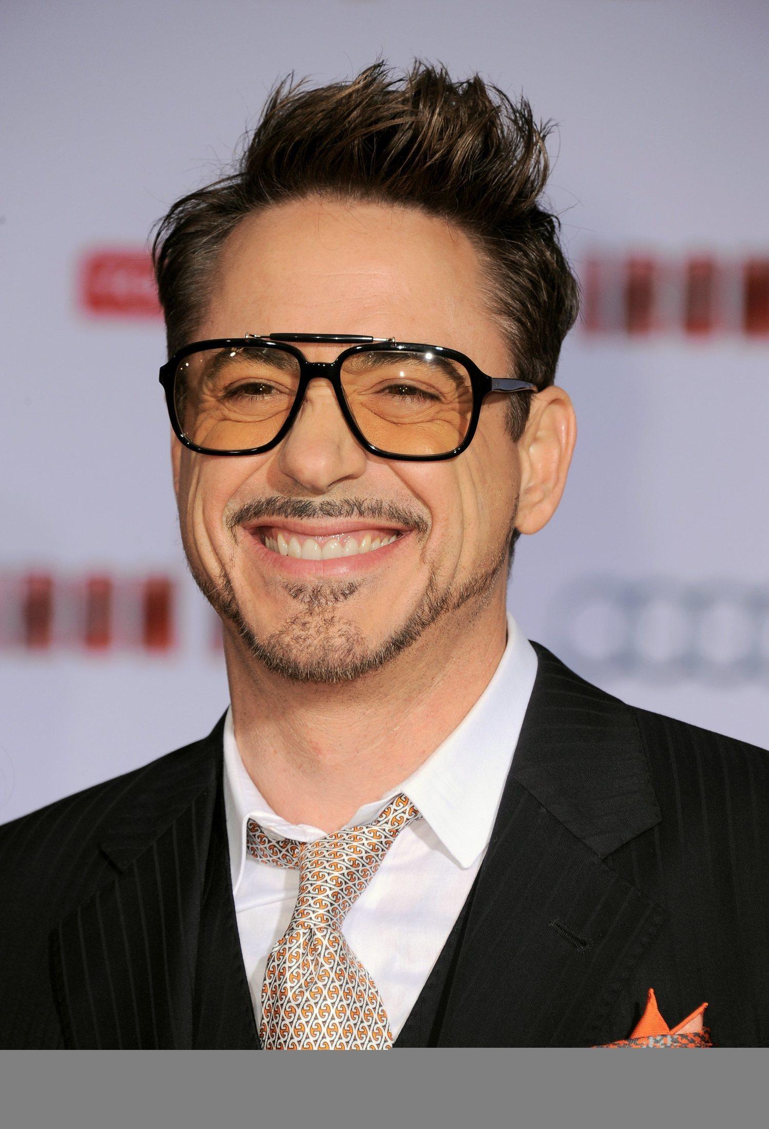 Robert Downey Jr. ha dado su propio estilo al tupé.