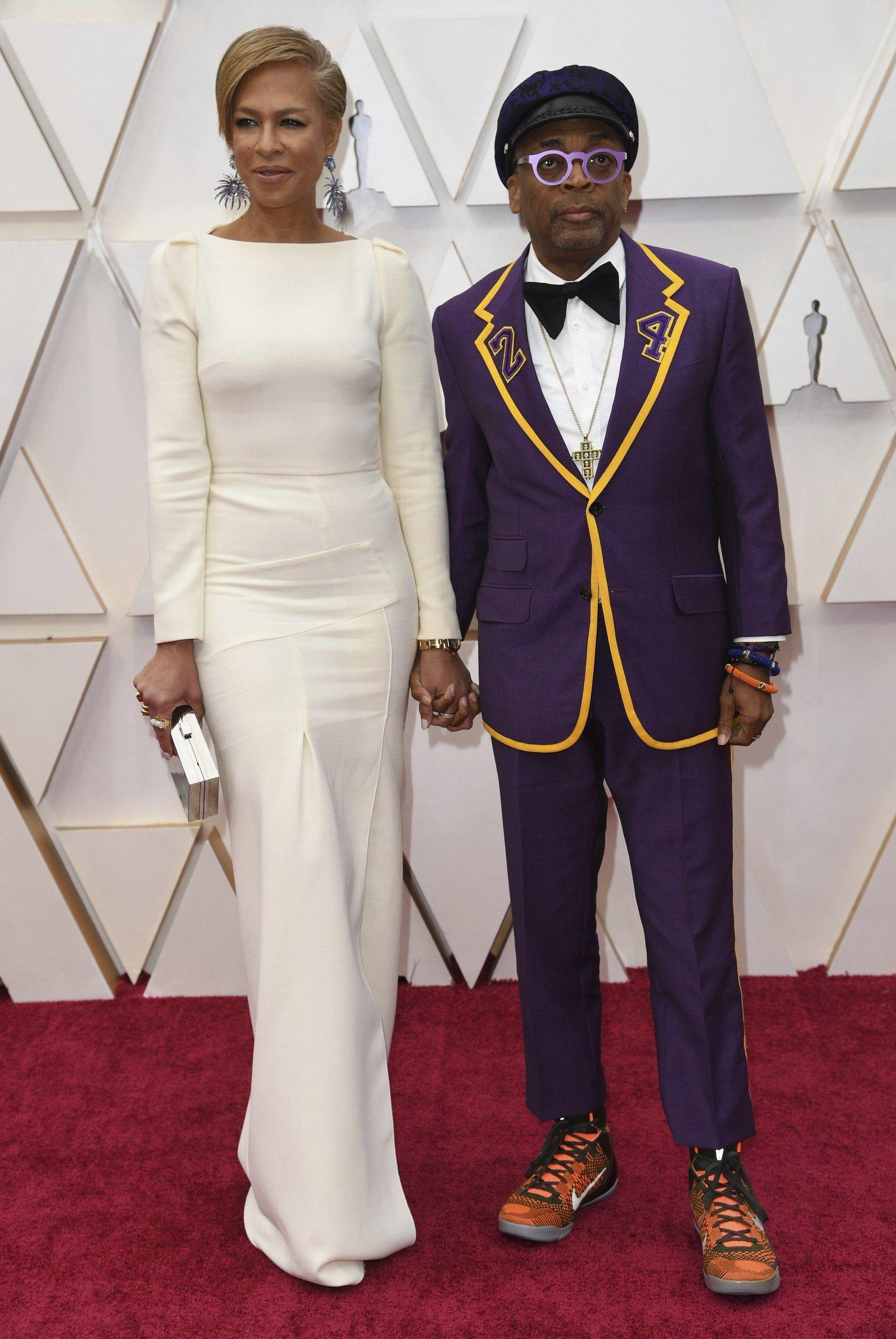 Spike Lee le rindió un merecido homenaje a Kobe Bryant en los Oscar con su traje de Gucci.