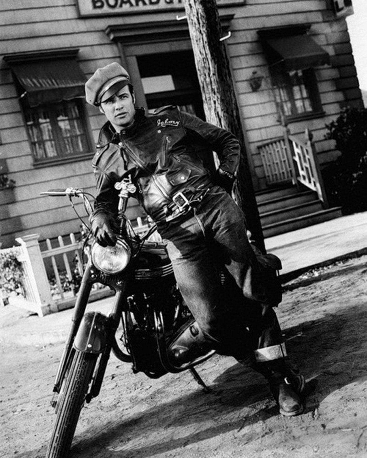 Marlon Brando en 'Salvaje' fue el precursor de las cazadoras de cuero.