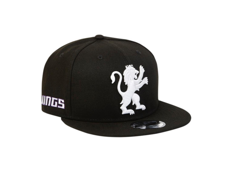 Gorra de Sacramento Kings con uno de los nuevos logos de la franquicia.