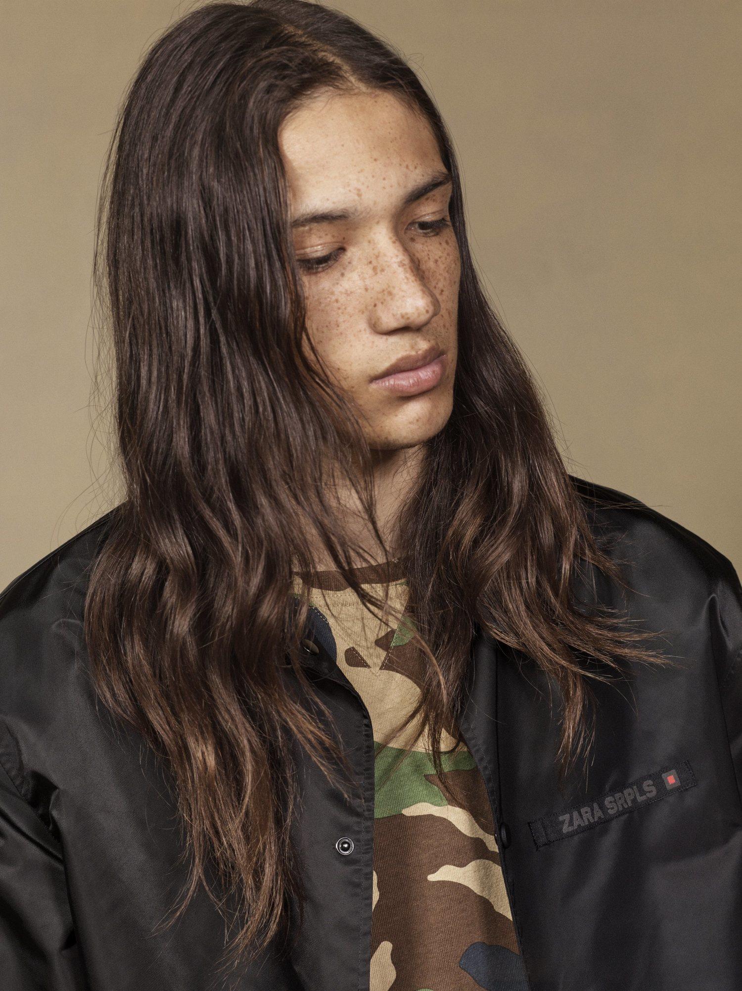Si prefieres el estampado tradicional, Zara también lo ofrece en su nueva campaña.
