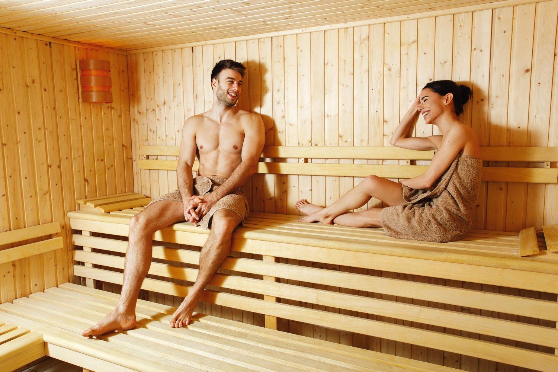 Puedes disfrutar de la sauna solo o en compañía pero recuerda no exceder los 15 minutos por sesión.