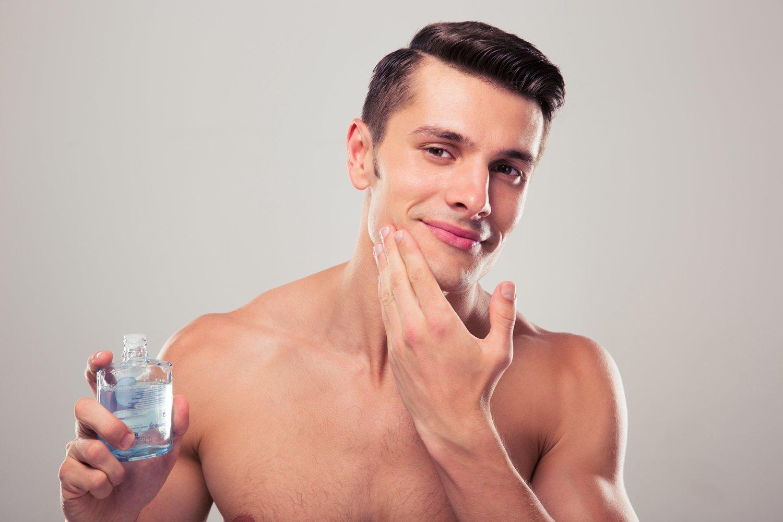 No olvides el after shave cuando vayas a afeitarte.